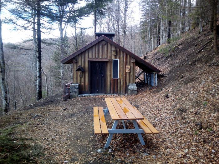bancs en bois extérieur